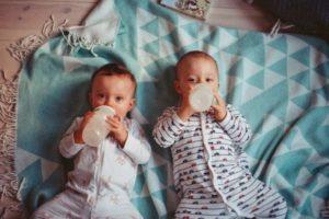 生後1ヶ月生後2ヶ月混合育児のミルク量